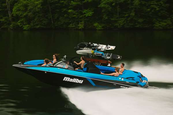 Malibu-24-MXZ-Performance-Sports-Boat
